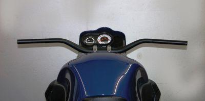 Konischer Superbike Lenker mit 28,4 mm Durchmesser an der Klemmung und 22 mm an den Lenkerenden Breite 810 mm